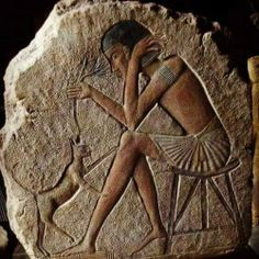 💝 💝 Happy caturday as spotted in ancient Egypt ❤ a boy plays with his cat 😻 Cats In Ancient Egypt, Egypt Cat, Ancient Egypt History, Ancient Aliens, Egyptian Goddess, Egyptian Art, Ancient Egyptian Architecture, Ancient Artifacts, Ancient Civilizations