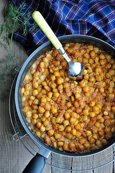 Oven-baked chickpeas with tomatos Greek Recipes, Vegan Recipes, Cooking Recipes, Eat Greek, Greek Cooking, Greek Dishes, Think Food, Special Recipes, Different Recipes