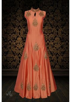Trendy peach ensemble adorn in stylish embroidery