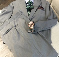 Great spring-time custom suit.  Loads of details!