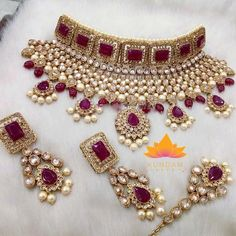 Polki Choker Necklace Set Gold Plated Item Includes 1 Choker 2 Earrings 1 Tikka *Please contact us for custom colors or to add additional jewelry pieces to this order Initial Pendant Necklace, Necklace Set, Pendant Set, Stone Necklace, Diamond Pendant, Gold Necklace, Indian Bridal Jewelry Sets, Bridal Jewellery, Jewellery Box