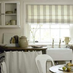 Pretty Blinds For The Kitchen
