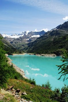 Lago Place Moulin - Bionaz in Valpelline (Valle d'Aosta) We Are The World, Wonders Of The World, Places To Travel, Places To See, Beautiful World, Beautiful Places, Best Places In Italy, Italy Landscape, Landscape Design