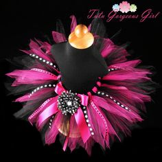 Hot pink and black birthday tutu for baby, girls and women. This pixie style tutu features pink and black polka dot ribbon streamers. Birthday Tutu, Birthday Parties, Diva Party, Princess Tutu Dresses, Ribbon Tutu, Diy Tutu, Pink Polka Dots, Minnie, Pink Tulle