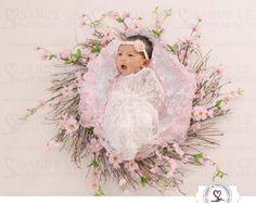 Znalezione obrazy dla zapytania newborn photography with cherry flowers