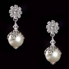 Delicate pearls - perfect for your wedding and every day after! #ericakoesler #wedding #bride #gift #jewelry #earrings
