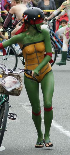 naked cosplay Ninja turtles girl