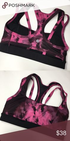 1a0f92a9f0ad7 Lululemon Athletica Sports Bra Excellent condition Lightly padded lululemon  athletica Intimates   Sleepwear Bras Lululemon Athletica