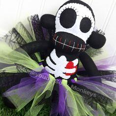 Mono de calcetín esqueleto niña con por MunkybunsSockMonkeys
