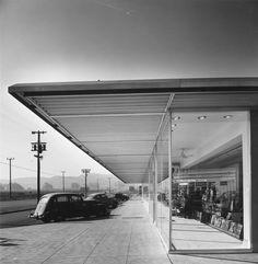 South La Brea, Los Angeles, 1941/ Credit: Julius Shulman