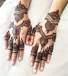 1000 Simple and Easy Henna Tattoo Designs for Brides on Wedding. Latest collection henna tattoo designs with various pattern and style for brides on wedding Unique Mehndi Designs, Henna Designs Easy, Beautiful Henna Designs, Latest Mehndi Designs, Mehndi Designs For Hands, Henna Tattoo Designs, Henna Tattoos, Paisley Tattoos, Mehndi Tattoo