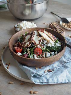 Halloumisalaatti - Tästä ei salaatti enää paljoa parane! | Inka I Halloumi, Feta, Camembert Cheese, Salads, Dairy, Salad, Chopped Salads