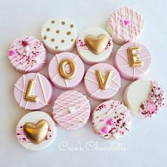 Your place to buy and sell all things handmade Valentines Baking, Valentines Sweets, Valentine Chocolate, Chocolate Hearts, Valentine Cookies, Homemade Chocolate Bars, Chocolate Candy Recipes, Chocolate Covered Treats, Oreo Dipped In Chocolate