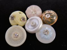 Pastel Colored Vintage Buttons with by TipperaryCreations on Etsy, $12.00
