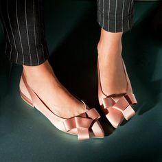 New look! New collection SS 2018  #fashion #fashionstyle #sante #mules  #shoebizz #santeshoes #ss18collection #shoebizzworld #shoebizzsignature #shoebizzladies #shoebizzlovers •Θα τις βρείτε στο κατάστημα μας, ,Αθ.Διακου 2 , Λαμια🔝🔝 •Για παραγγελίες: ☎️☎️Τηλ.Επικ:22310-24421 •Ή με inbox📩📩 •online > www.shoebizz.gr