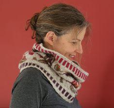 Falling Leaves cowl stranded knitting free pattern