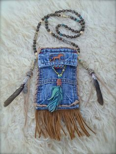 MEDICINE bag denim with FEATHER charm turquoise suede leather beaded necklace Jean Crafts, Denim Crafts, Jean Purses, Purses And Bags, Artisanats Denim, Denim Purse, Denim Boots, Medicine Bag, Denim Ideas