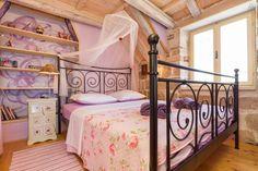 city center attic apartment for 4 - Flats for Rent in Split, Split-Dalmatia County, Croatia Attic Doors, Garage Attic, Attic House, Attic Window, Attic Ladder, Attic Library, Attic Office, Attic Playroom, Guest Room Office