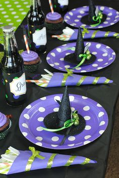 HALLOWEEN SPOOKS /& SPELLS LUNCH NAPKINS PARTY TABLE DECORATION WITCH WIZARD
