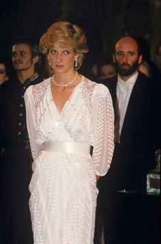 Princess Diana Fashion, Princess Diana Family, Princess Diana Pictures, Princess Kate, Princess Of Wales, Real Princess, Celebrity Couples, Celebrity Photos, Diana Haircut
