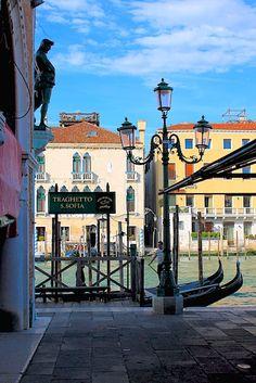 Gondola ferry service route located at the Rialto Fish Market, Venice, Italy Copyright: Eric Daniels