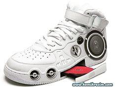 Today a special sneaker for Father's Day! #shoelovin #schoenen #demensenzijnschoen #peopleandtheirshoes #happyfeet #schoen #schuhe #shoegasm #schuhemachenglücklich #highheels #feet #shoesoftheday #shoeaddict  #specialshoes #whatsonmyfeet #iloveshoes #shoelovers #shoeshine #shoeporn #shoestyle #instashoes #shoeselfie #people #sneakers #fathersday #sneaker #vaderdag