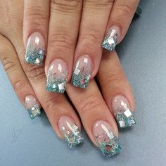 Nail art has come a long way from just painting the nails with beautiful designs. Nowadays, we see nails with layers and weird patterns that create Chunky Glitter Nails, Glitter Tip Nails, Glittery Nails, Fancy Nails, Trendy Nails, Love Nails, Nail Tip Designs, Nails Design, Nail Blog