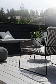 All About Outdoor Living Terrace – beterhome - Terrasse Outdoor Balcony, Outdoor Areas, Outdoor Seating, Outdoor Chairs, Outdoor Decor, Small Garden Inspiration, Garden Ideas, Best Outdoor Furniture, Wooden Furniture