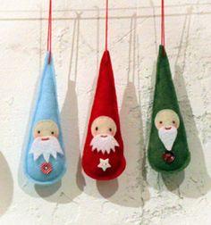 Cute (last minute) felt Santas // Karácsonyi törpék - karácsonyfadíszek filcből // Mindy - the craft tutorial collection //#craftideas #crafts #crafttutorial #christmascrafts #christmasgifts #christmas #gifts #christmasdecor #diy #kreatívötletek #karácsony #csináldmagad #hobbi #kézműves #kreatívkarácsonyiötletek #karácsonyiötletek #karácsonyidekoráció