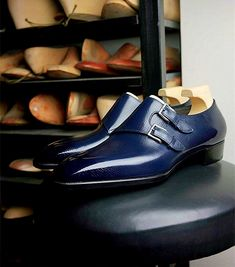 Man Shoes, Leather Skin, Grown Man, Penny Loafers, Man Style, Luxury Shoes, Slip On Shoes, Casual Shoes, Oxford Shoes