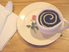 Crochet a Tea Set for Your Favorite Little Girl – free patterns | Grandmother's Pattern Book