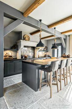 How to clean your kitchen credenza? Rustic Kitchen Design, Interior Design Kitchen, Kitchen On A Budget, Home Decor Kitchen, Kitchen Walls, Open Kitchen, Kitchen Cabinets, Modern Farmhouse Kitchens, Cool Kitchens