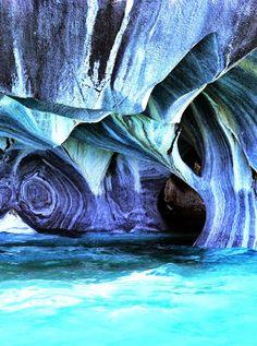 Catedrales de mármol- Lago General Carrera en la Patagonia que comparten Argentina y Chile