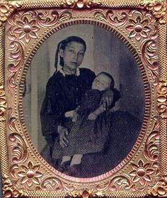 Memento Mori Photographs | Memento Mori: Victorian Death Photos / Young mother with her deceased ...