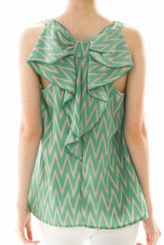 Delilah Chevron bow back shift top (Jade) – The Scarlet Boutique Look Fashion, Fashion Details, Fashion Design, Cute Dresses, Cute Outfits, Bow Tops, Wholesale Clothing, Diy Clothes, Dress Patterns