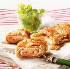 Brunch Recipes Fast & tasty: Lightning ham and cheese strudel Strudel Recipes, Vegan Breakfast Recipes, Brunch Recipes, Appetizer Recipes, Cheese Snacks, Yummy Food, Tasty, Ham And Cheese, German Recipes