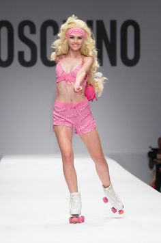 Moschino Spring/Summer 2015 via @stylelist | http://aol.it/YZ7aZq
