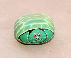 Turtle pet rock- I should paint some 'pet rocks' for art in the park, wonder if they will sell.?