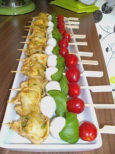 Tortellini - Spießchen, ein schönes Rezept aus der Kategorie Kalt. Bewertungen: 13. Durchschnitt: Ø 3,9.
