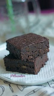 Pillecukor ♥: Cukkinis brownie (glutén-, laktóz- és cukormentes) Sin Gluten, Diet Recipes, Healthy Recipes, Healthy Food, Food And Drink, Low Carb, Sweets, Cookies, Desserts
