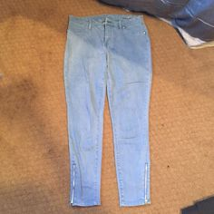 Blank stretchy jeans Zippers on ankles. Stretchy. Comfortable. Great condition Blank Denim Jeans