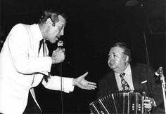 Así era conocido Roberto Goyeneche, uno de los grandes cantantes de tango. Actuó durante muchos años con la orquesta de otro grande e irremplazable músico: Aníbal Troilo, Pichuco.