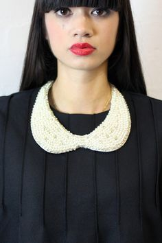 Collar necklace; How to wear collar necklace