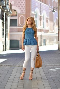 Latest Girls Capri Pants Collections For Summer Cute Spring Outfits, Chic Outfits, Fashion Outfits, Denim Outfits, Teen Outfits, Fashion Skirts, Fashion Clothes, Womens Fashion, Fashion Trends