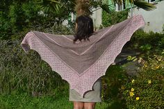 Ravelry: Project Gallery for Confituralaviolette (Violet Jam) pattern by Les…