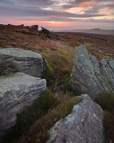 Nidderdale Sunrise http://golfdriverreviews.mobi/traffic8417/ Robert Garrigus (born November 11, 1977) is an American professional golfer who is currently a member of the PGA Tour.