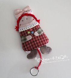 Julio corporaciones cielo para hacer rural - casos clave de muñecas Key Bag, Key Pouch, Cute Sewing Projects, Quilting Rulers, Key Covers, Key Fobs, Key Chain, Barrettes, Craft Bags