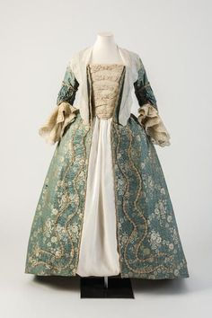 1750s Dress from the Fashion Museum, Bath.