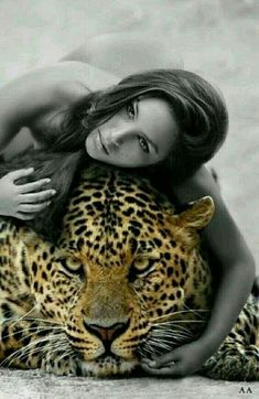 Save our BIG CATS, cats and those who cannot protect themselves against man. Man the most pervasive predator, relentless as a hunter. What's the message here? Black And White Pictures, Black And White Colour, Color Splash, Color Pop, Magic Women, Big Animals, Leopards, Big Cats, Beautiful Creatures
