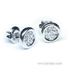 Pendientes oro blanco y diamantes de joyería Larrabe  #Joyería #pendientes #diamantes #mujer #moda